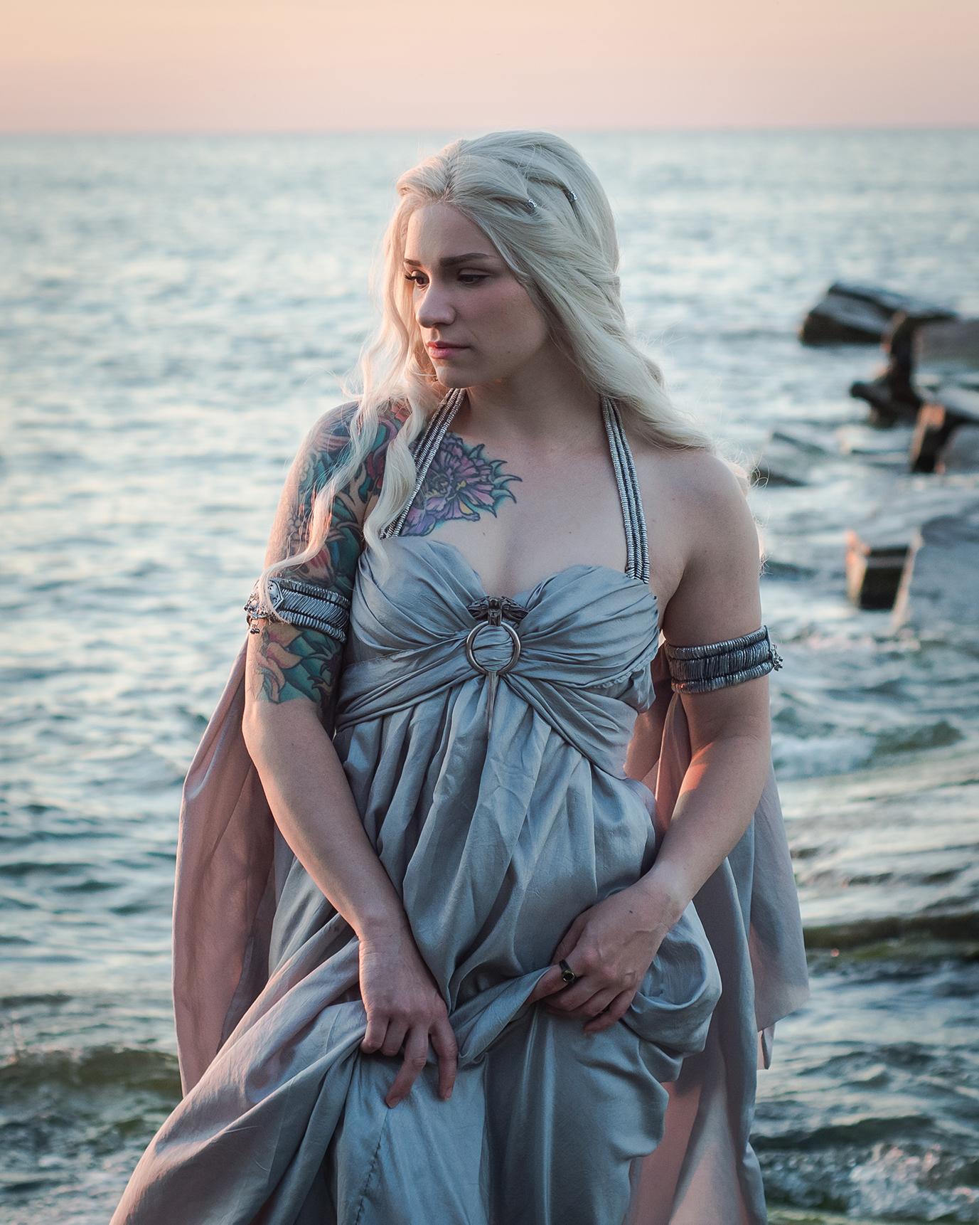Daenerys Targaryen by Annie Graves / Photo: Evan @mortimush